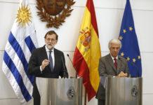Mariano Rajoy y Tabaré Vázquez tras la reunión (foto de Moncloa/ Diego Crespo)