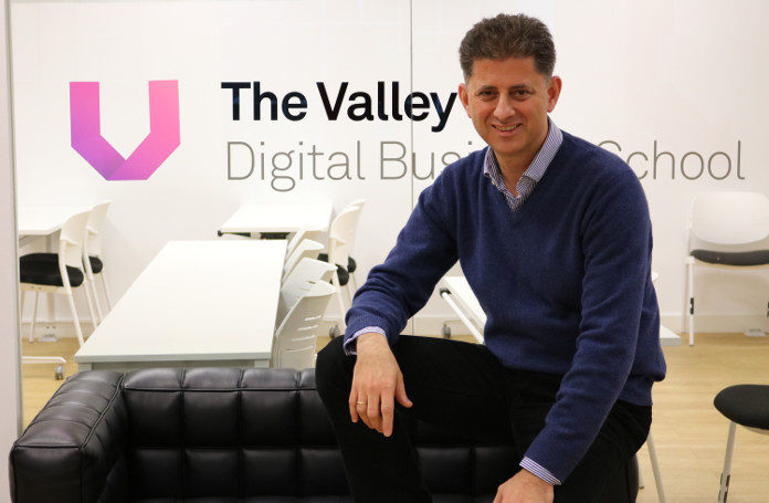 Miguel Reina, New Business Manager en The Valley