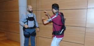 Demostración del exoesqueleto modular MAX, en el marco de la jornada organizada por AIMEN.