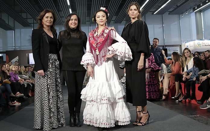 Traje flamenco materiales reciclados