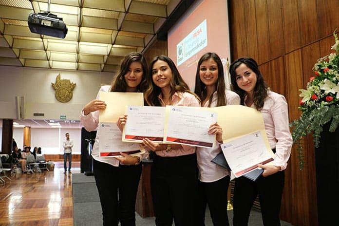 Las cuatro estudiantes del Tec de Monterrey que han desarrollado FemPad