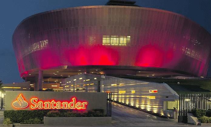 Contact center de Banco Santander en Querétaro, Mexico.