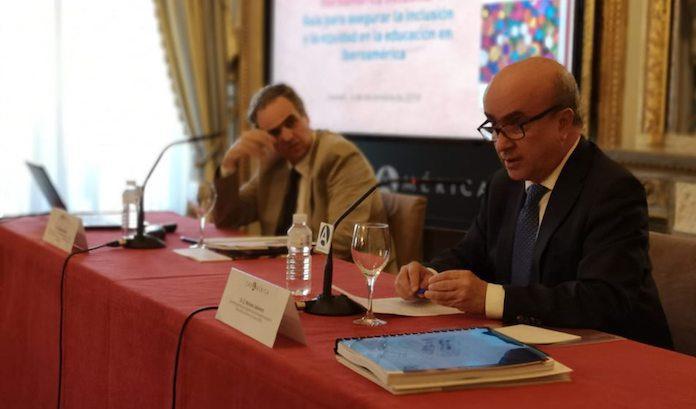 Renato Opertti (OIE-UNESCO) y Mariano Jabonero (OEI) han presentado en Casa América el documento 'Iberoamérica inclusiva'