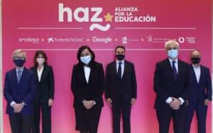 Los representantes de las grandes empresas que han impulsado HAZ, Alianza por la educación.